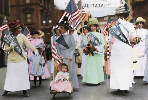 парад суфражисток